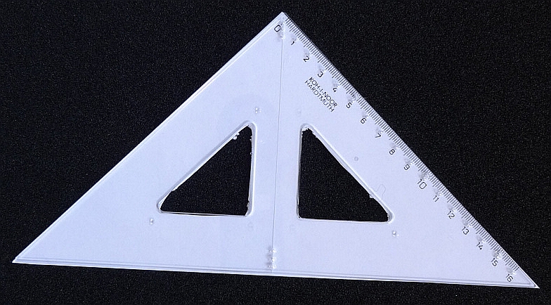 Dreieck für taktile Zeichnungen, mit taktilen Markierungen