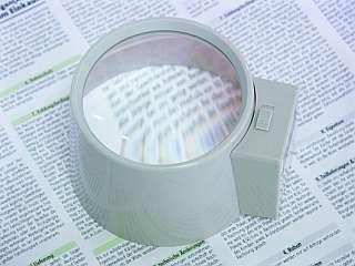 Lupe mit Beleuchtung in Zylinderform 3x, Chrom matt
